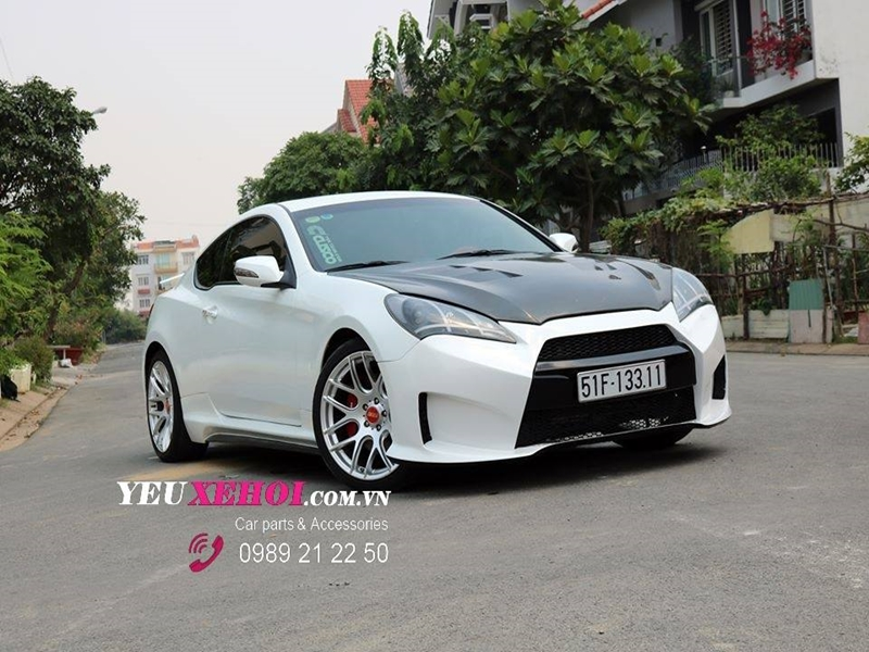 GENESIS COUPE GTR BODYKIT STYLE / WHITE AND RED