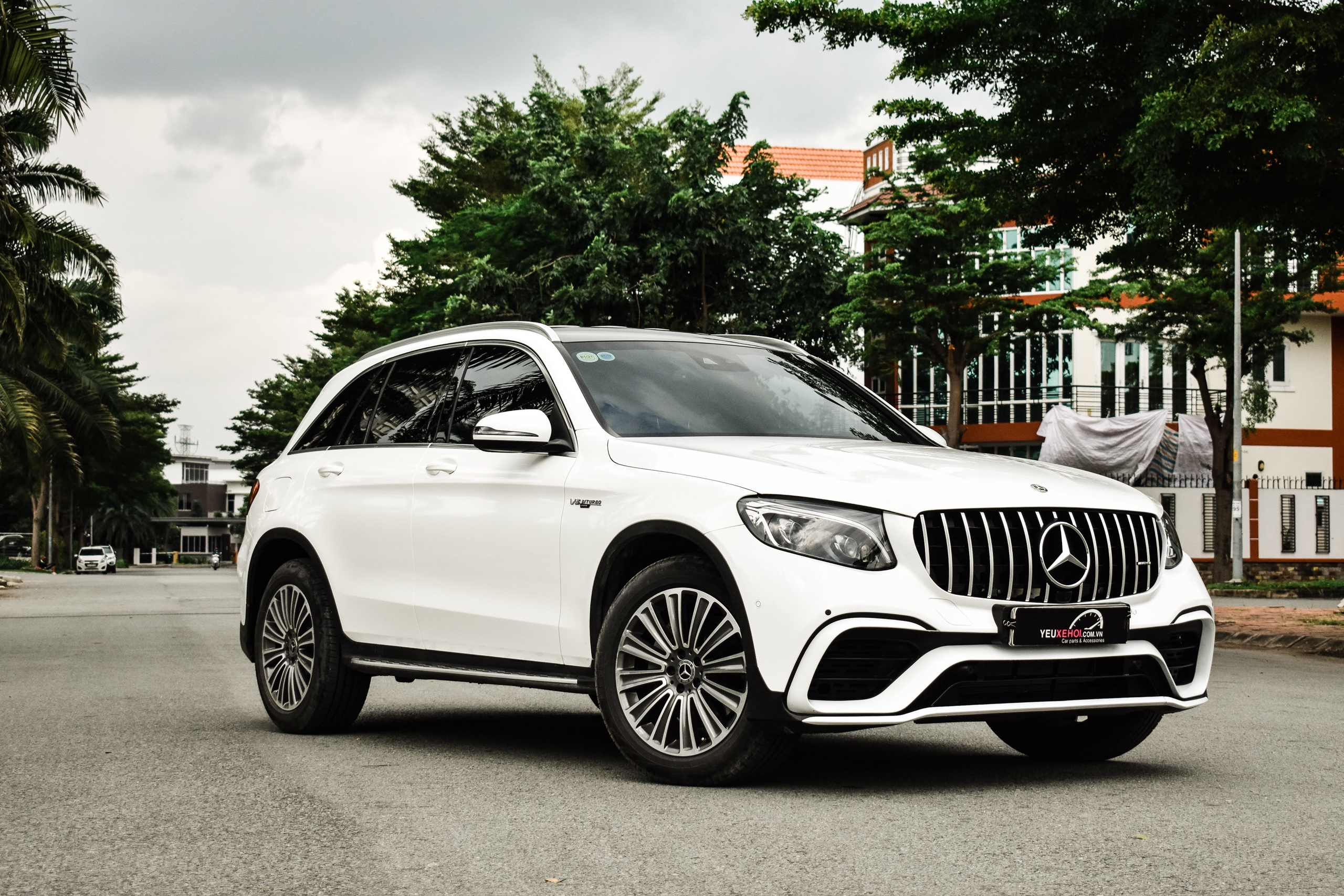 MERCEDES GLC250 / BODYLIT GLC63