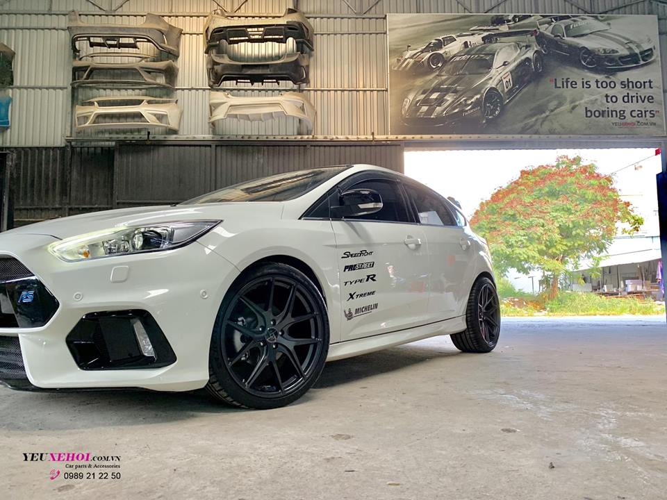 FOCUS RS BODYKIT 19 INCHES FT01 305FORGED WHEELS